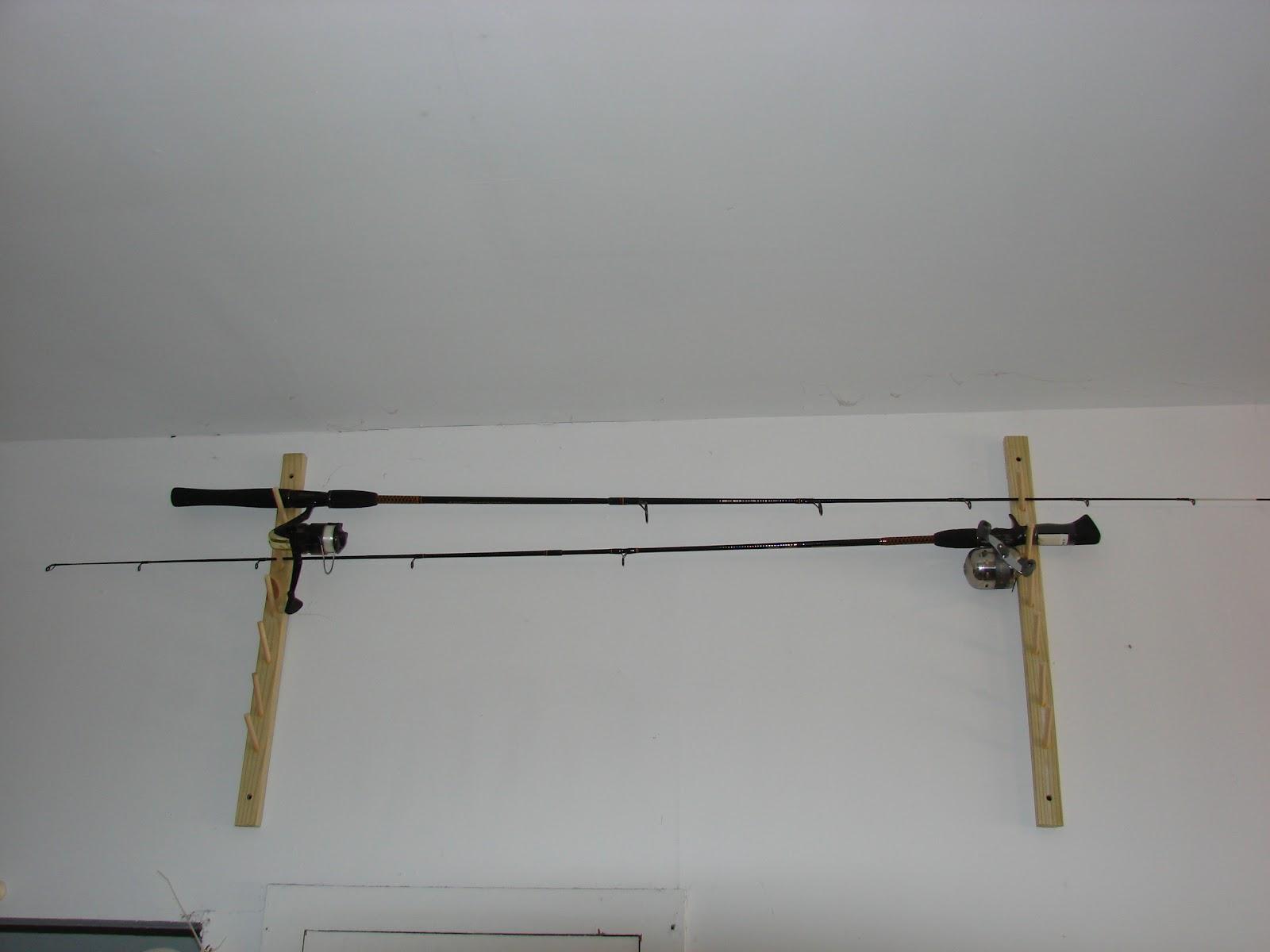 Fishing rod holders for home plans for Fishing rod holders for home